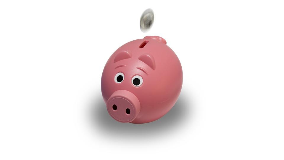 お金が貯まらない人は収入を増やしても意味がない。問題は入りよりも出を少なくする努力。